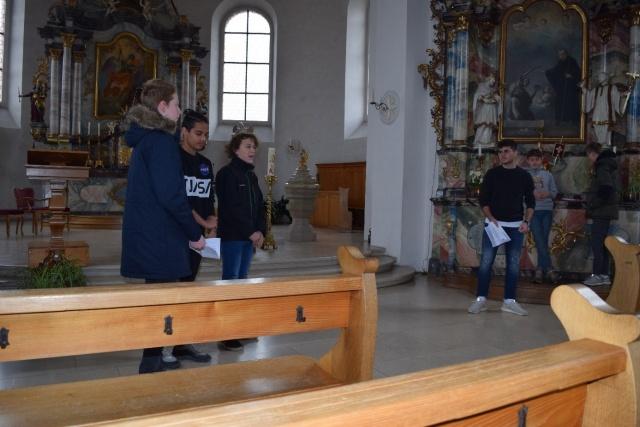Üben in der Kirche (auf dem Bild von links nach rechts: Nils Bieri, Jan Hugenschmidt, Marco Käch, Alex Russo und Jann Wittenwiler)